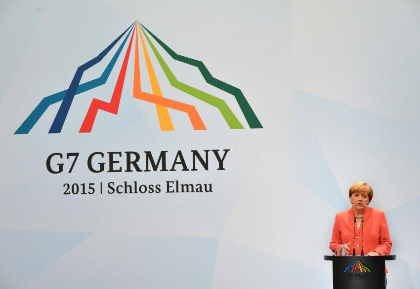 Bundeskanzlerin Angela Merkel spricht auf einer Pressekonferenz während des G7-Gipfels am 08.06.2015 auf Schloss Elmau in Elmau (Bayern). Foto: Peter Kneffel/dpa +++(c) dpa - Bildfunk+++