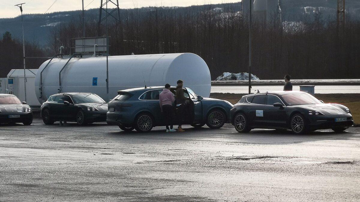 Porsche Taycan Cross Turismo avslöjad i Norge!